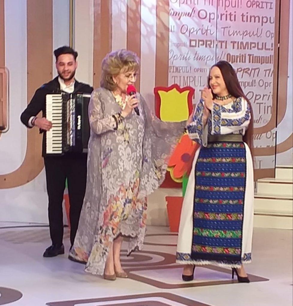 Corina Chiriac cu Maria Dragomiroiu