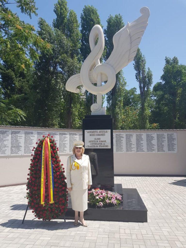 Corina Chiriac la lansarea Monumentului Artiștilor Muzicii Românești